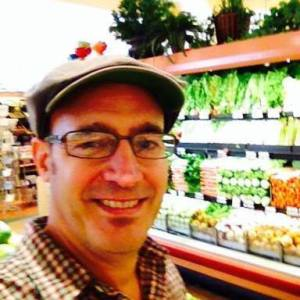 Steven Breitbach, TBV Podcast host and founder of aHiveMind Bee Pollen.